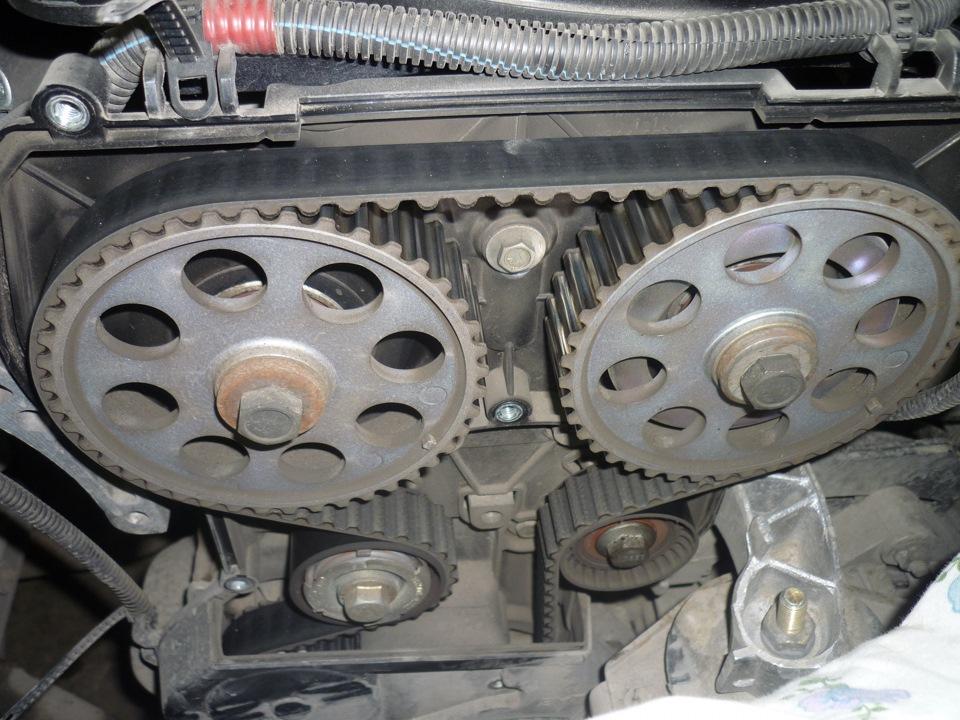 Замена ремня ГРМ на 16-ти клапанном двигателе ВАЗ
