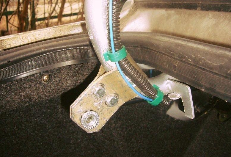Ремонт амортизаторов багажника своими руками