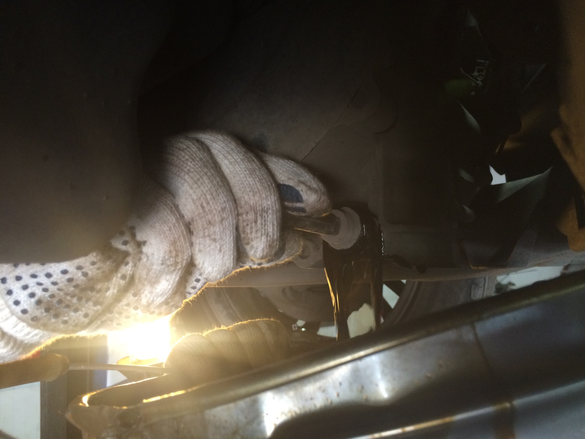 Пенится масло в коробке передач — АКПП — Пена на щупе