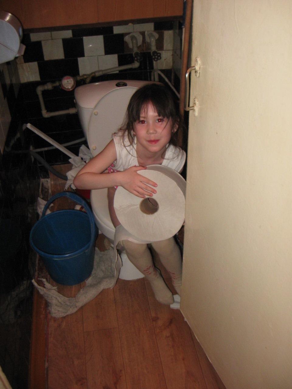 в девчачьем туалете лучше