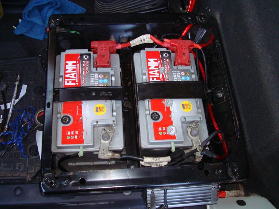 Где находится аккумулятор у форд транзит