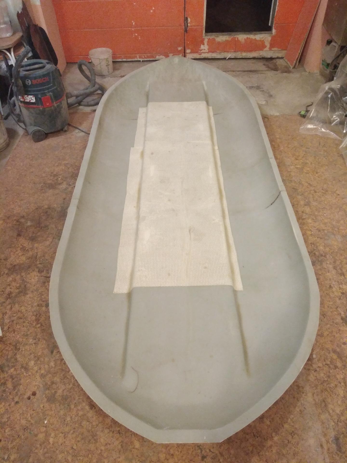 Ремонт лодок из стеклопластика. Правила покраски 65
