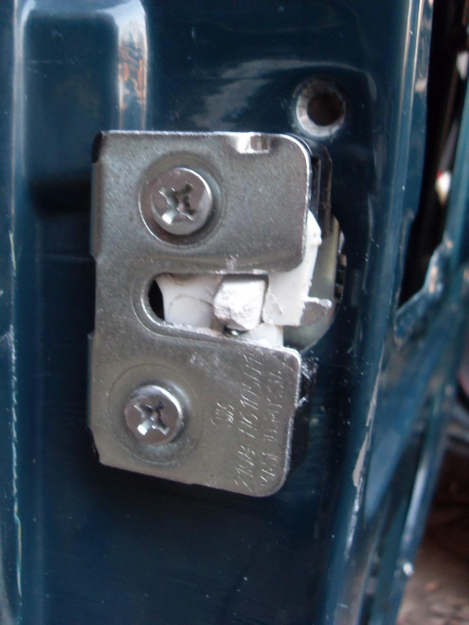 Как сделать чтобы дверь на ваз 2107 закрывалась мягче 331
