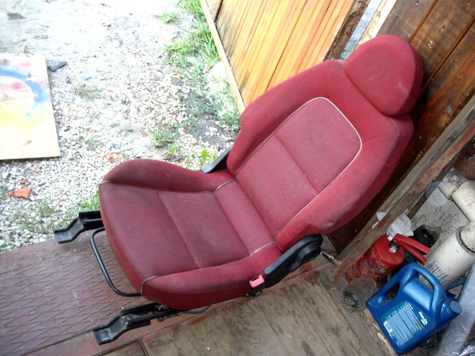 mitsubishi colt сидения
