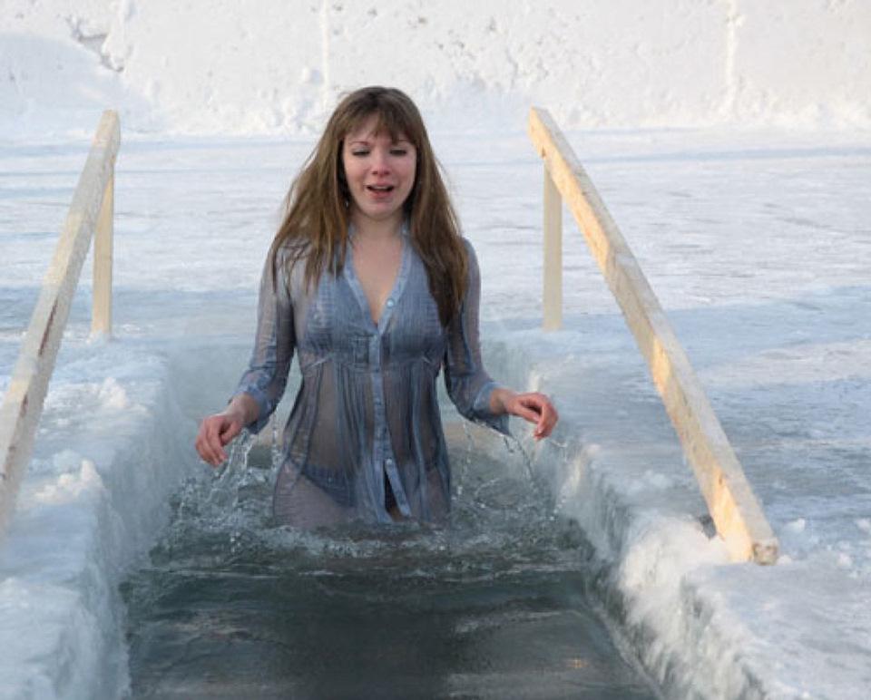 Квартиру Комнату девушки купание на крещение недорогих шуб куницы