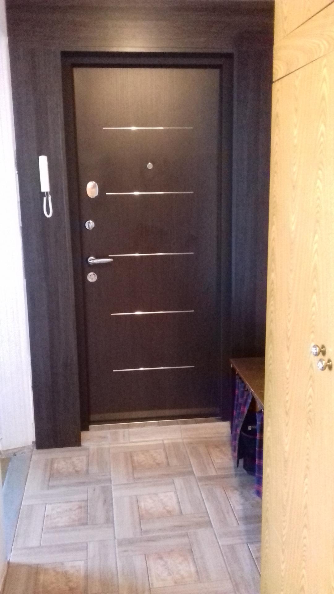 Отделка входной двери внутри квартиры фото