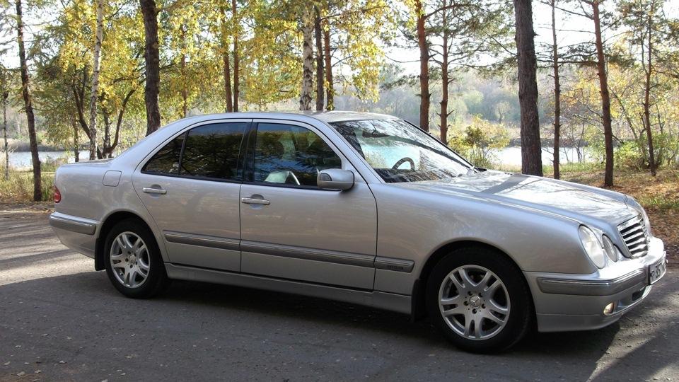Mercedes benz e class 320 elegance cr aurora drive2 for Mercedes benz e class 320