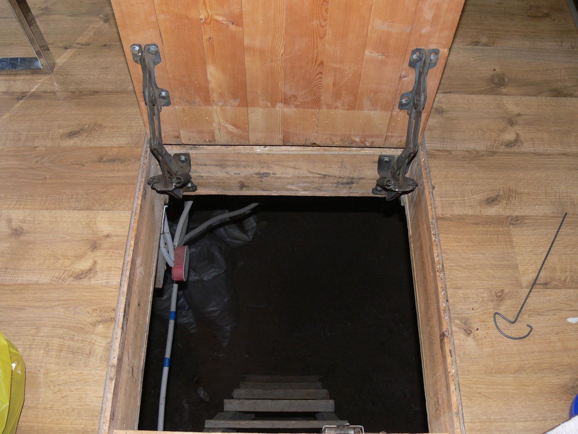 как сделать крышку люка в подвал