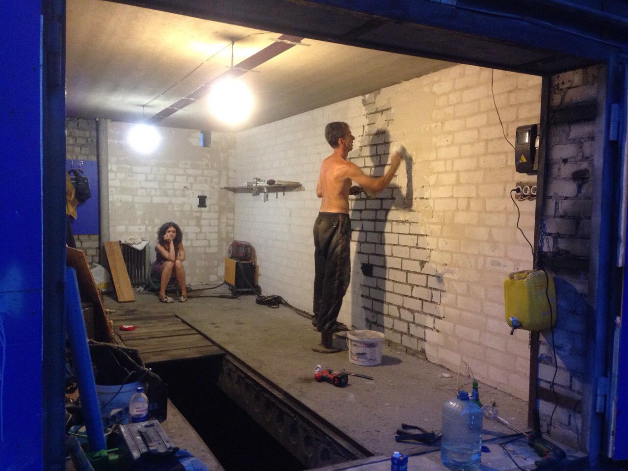 Чем утеплить гараж изнутри недорого фото