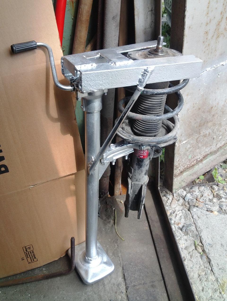 Как сделать из домкрата съёмник пружин