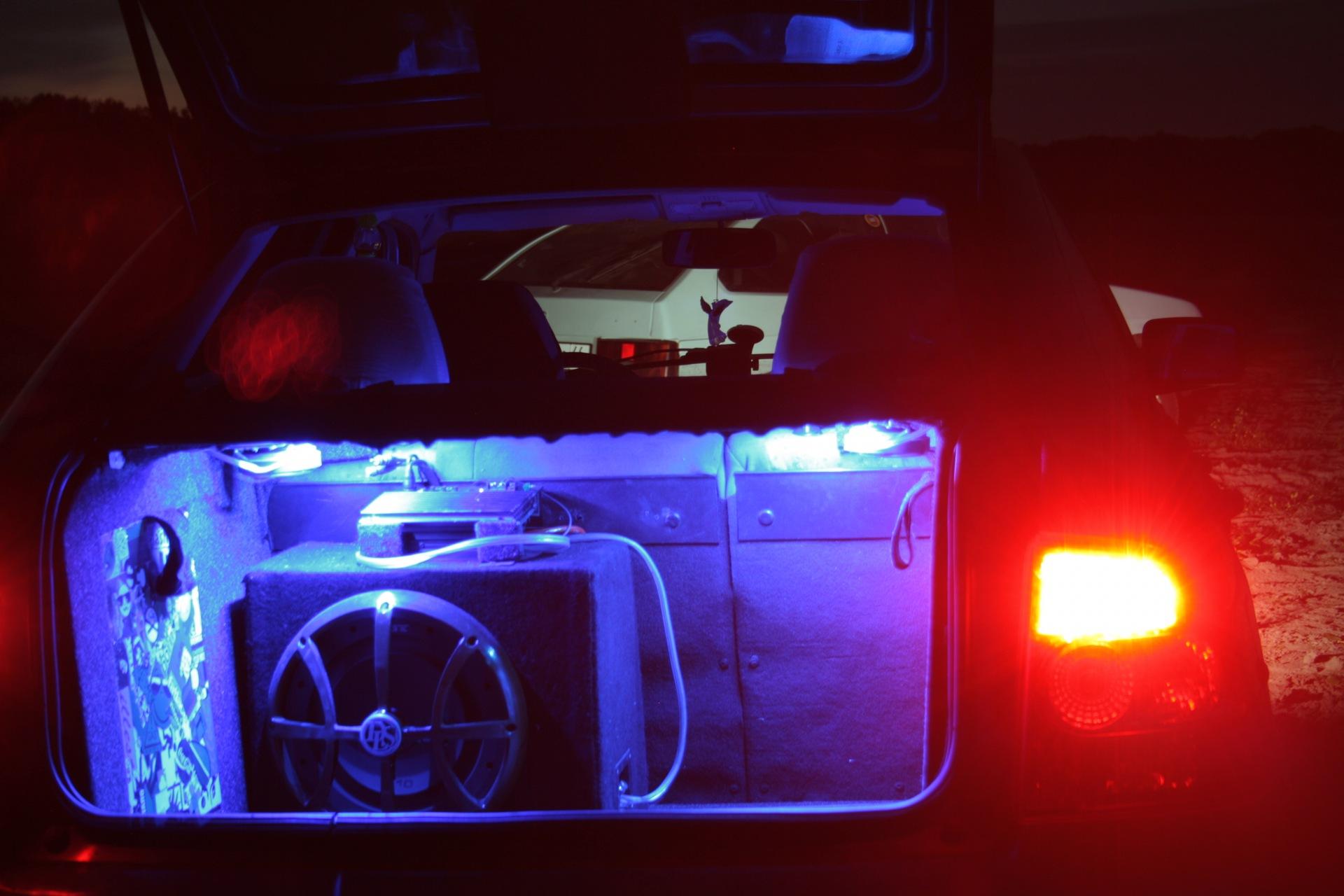 Тюнинг багажника приора хэтчбек своими руками
