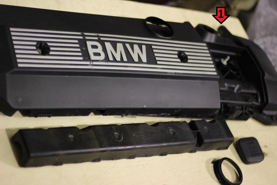 под картерем находится клапан картерного газа bmw e46