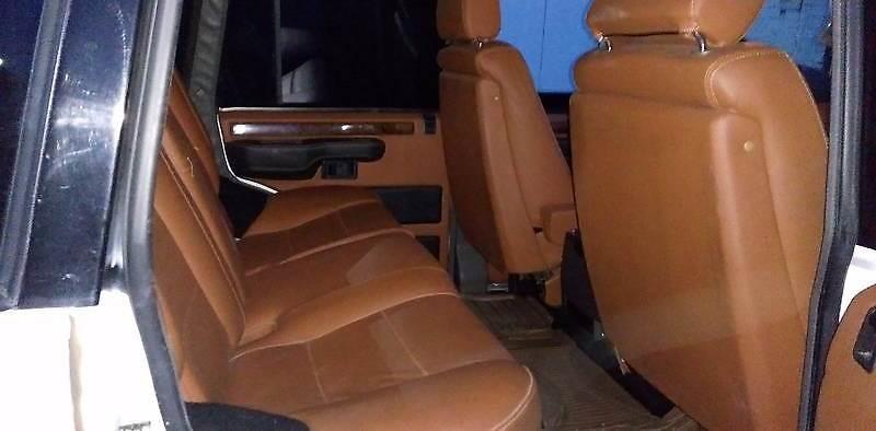 В Житомире переделали Range Rover 80-х