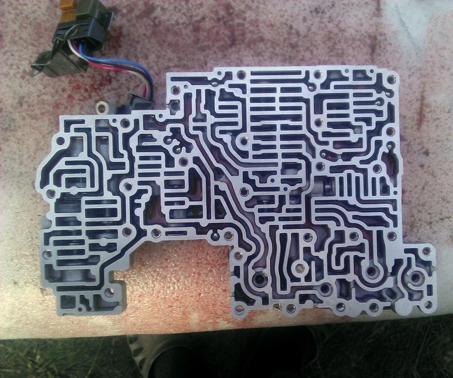 Верхний сепаратор гидроблока