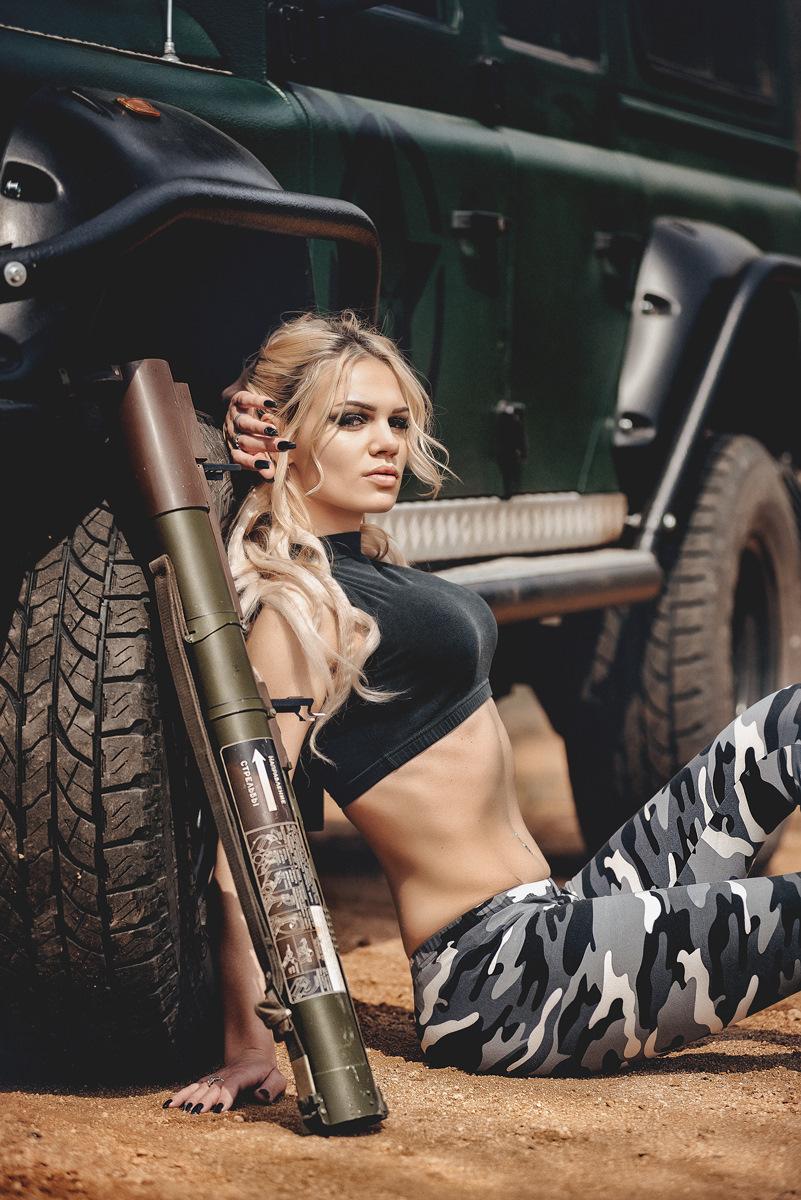 грудастые девушки милитари лера встала