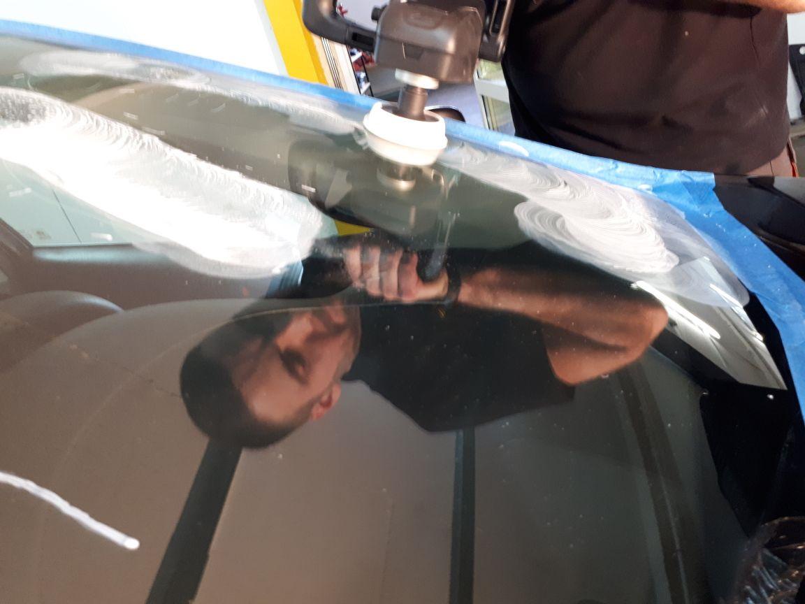Как отполировать лобовое стекло своими руками без машинки фото 823