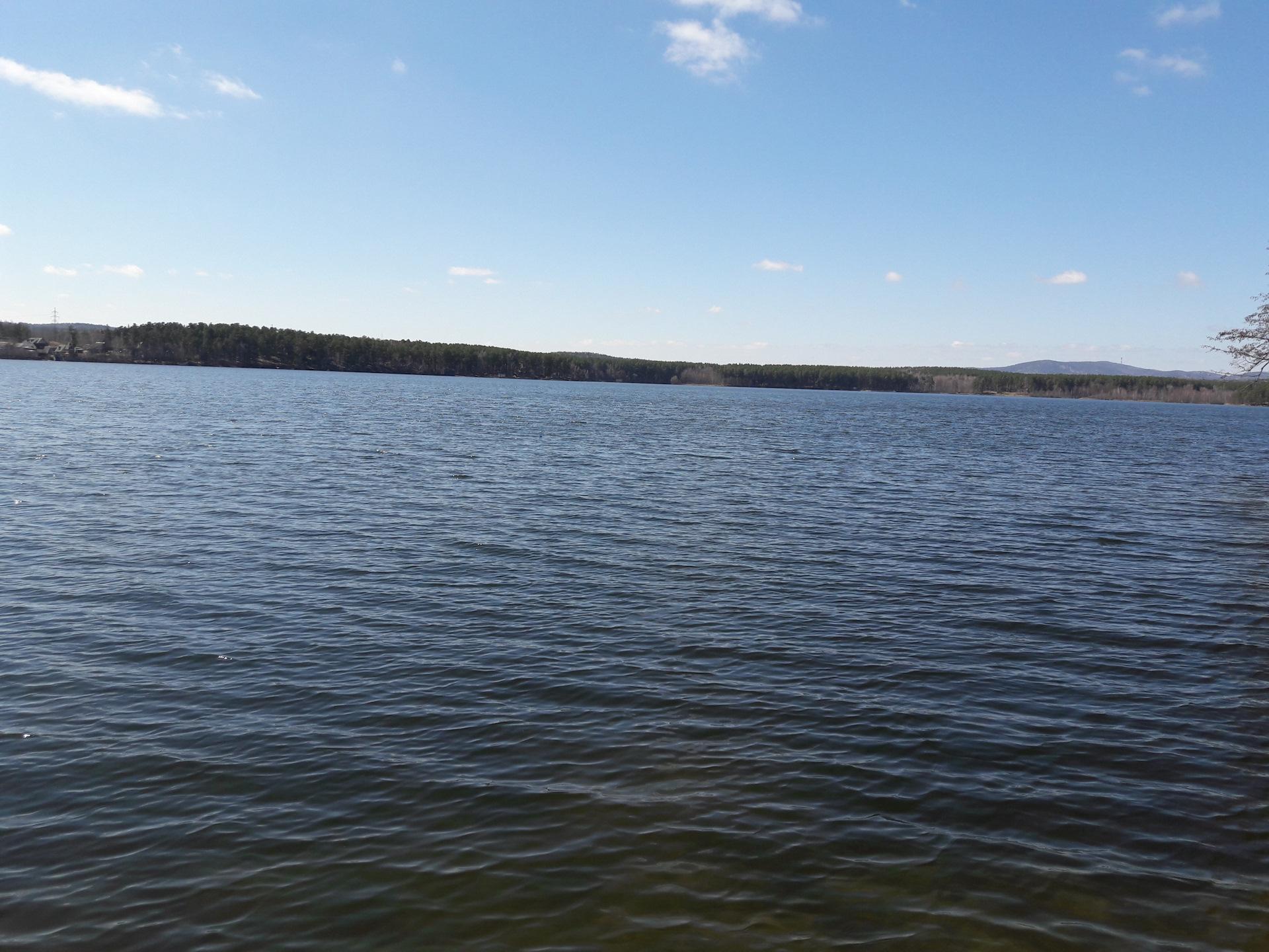 Рыбалка на еловом озере