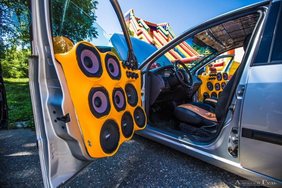 фото машины с музыкой стимулирующее