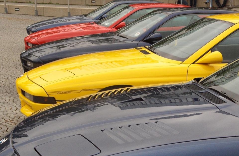 Редкое зрелище — сразу 5 Alpina B12 5.7 Coupe в одном месте