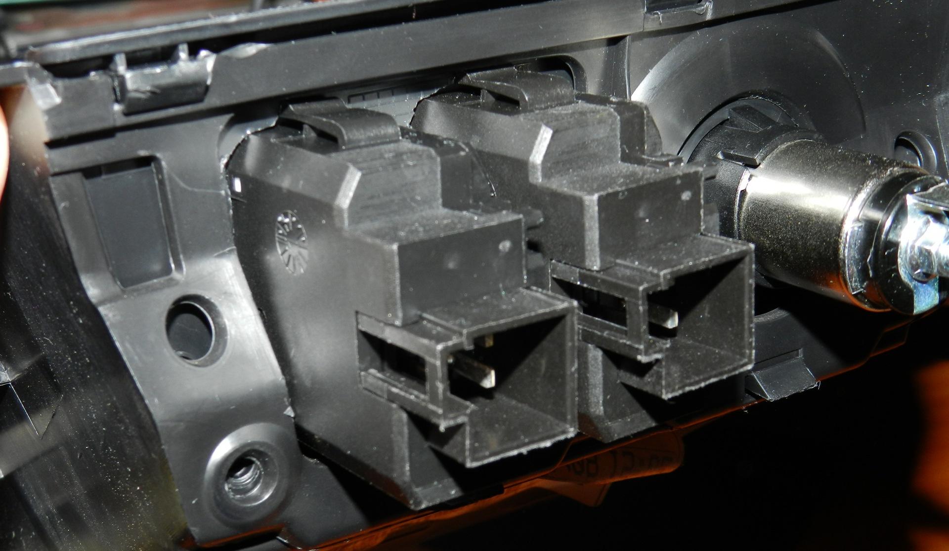 В комплекте Емеля УК-2 имеется специальное реле, схема подключения и вся необходимая проводка.