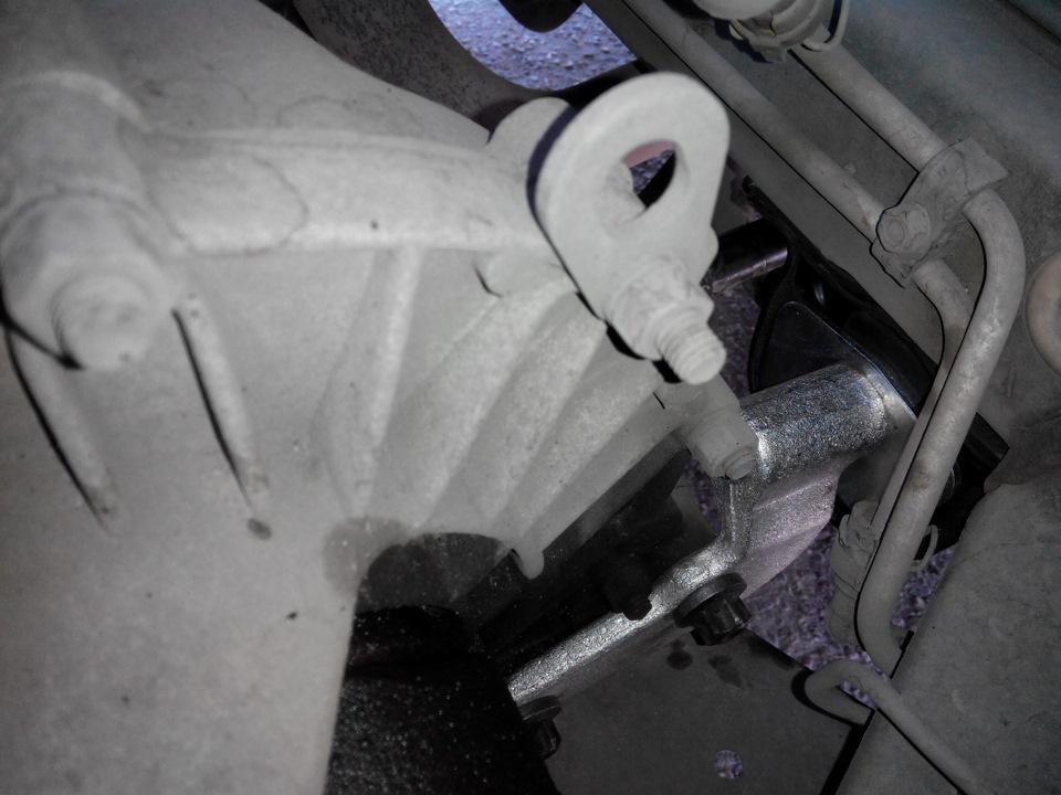 Фото №19 - замена подушки коробки передач ВАЗ 2110