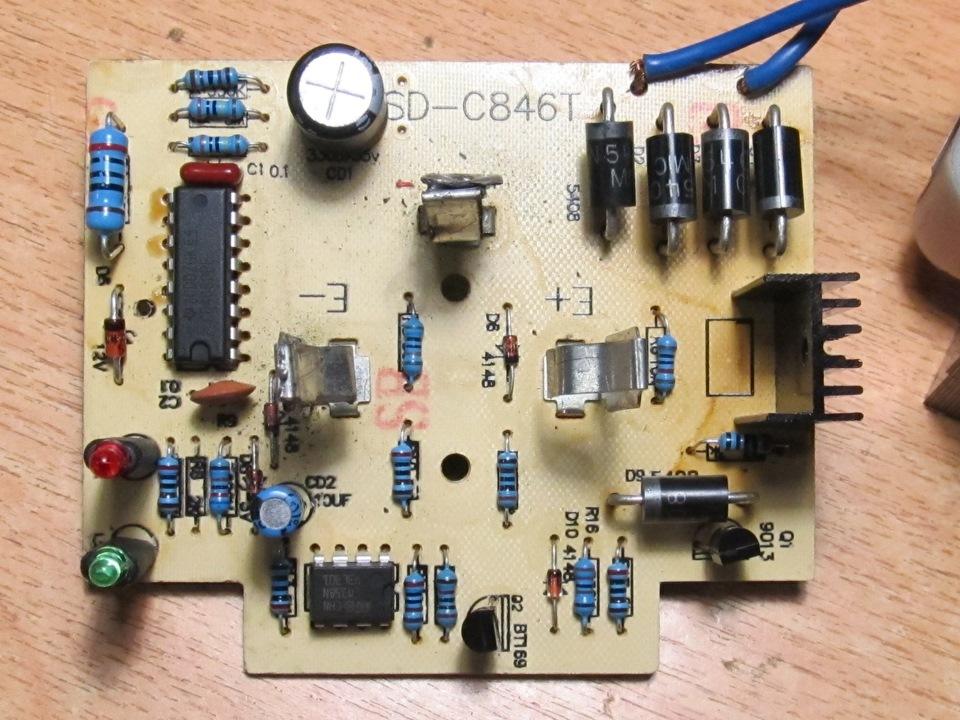 Зарядное устройство Кулон-405 для аккумуляторов 6-12 Вольт