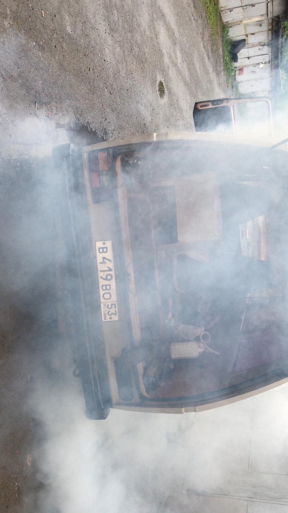 Дымит фольксваген транспортер транспортер для навоза своими руками видео
