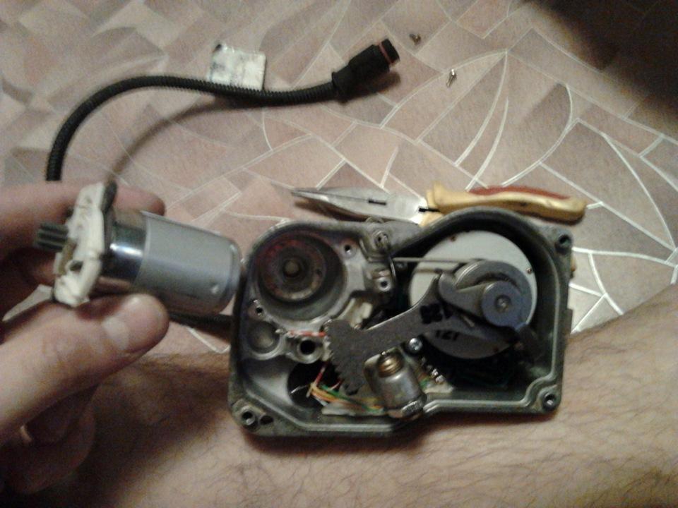 111 двигатель мерседес 2,0 педаль газа не отзывается