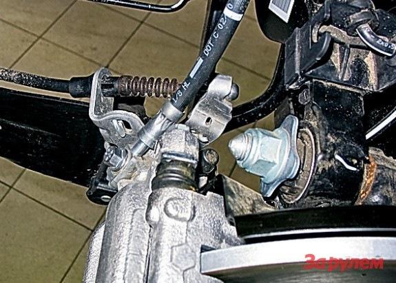 skoda superb 2011 тросик ручника