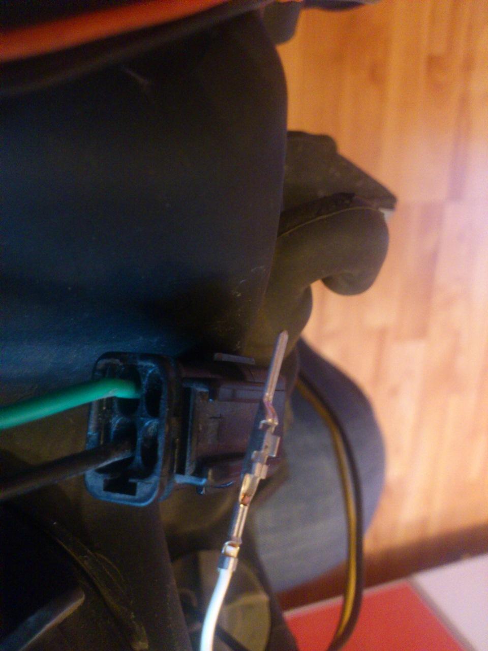 Автокорректор фар - виды и установка корректора своими руками 8