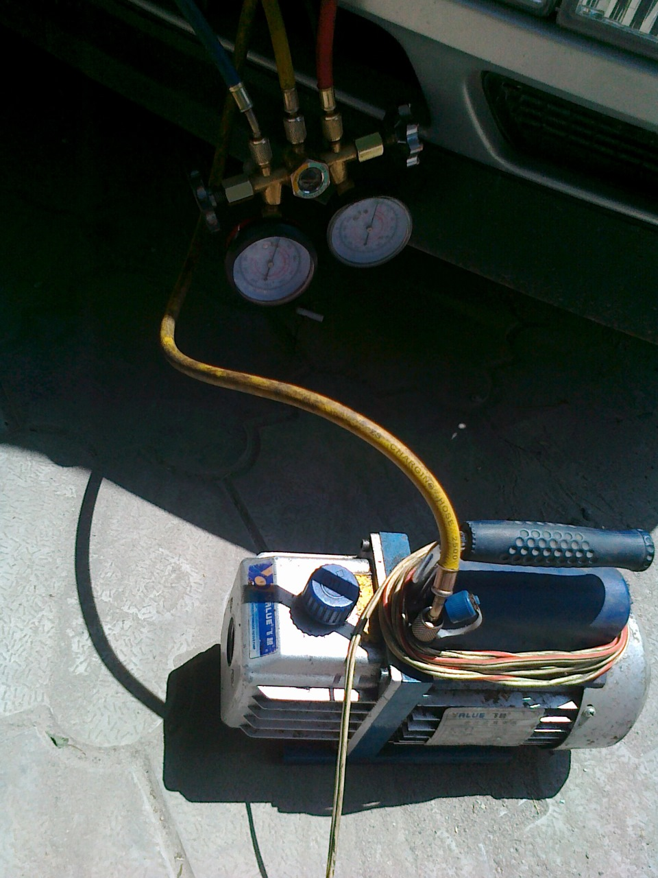 Вакуумный насос для заправки кондиционера своими руками