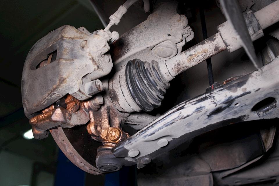 Фиксация ШРУС-а и шаровой опоры Ford Focus III