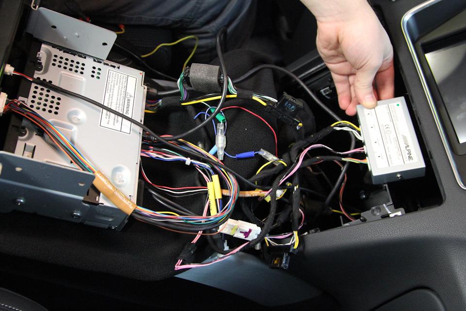 Соединяем все блоки и разъемы для проверки перед сборкой и окончательной укладкой проводки.