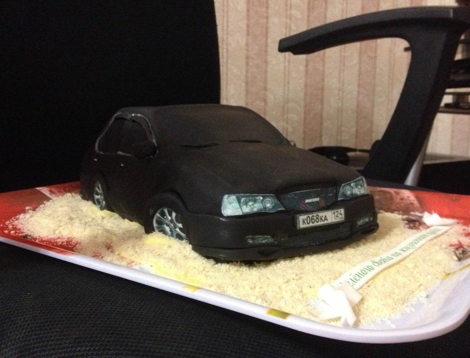 Торт в виде моей машины.
