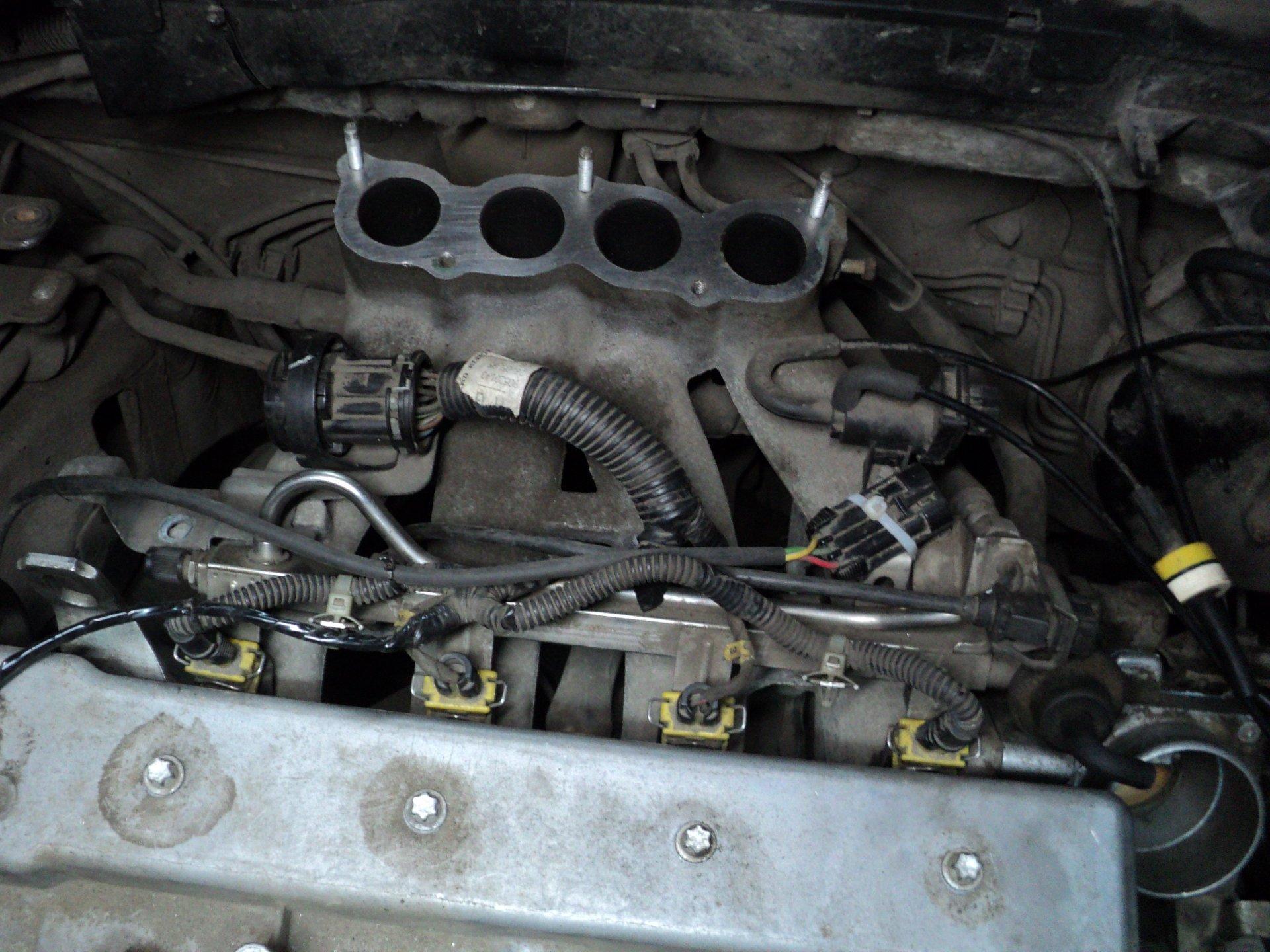 не заводиться двигатель x16xel