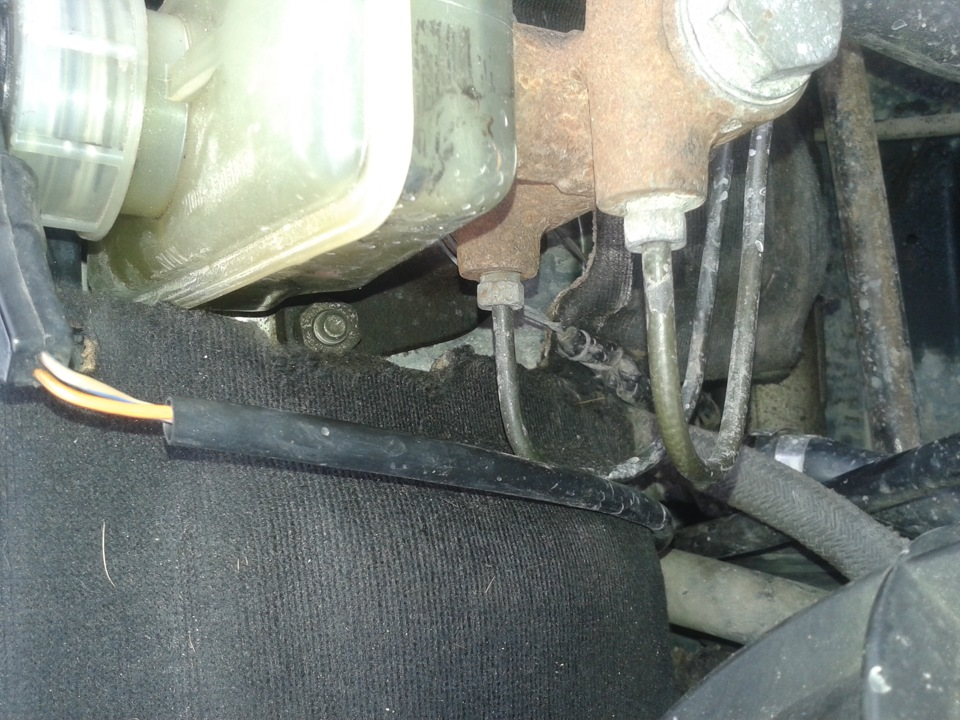 Фото №7 - замена главного тормозного цилиндра ВАЗ 2110