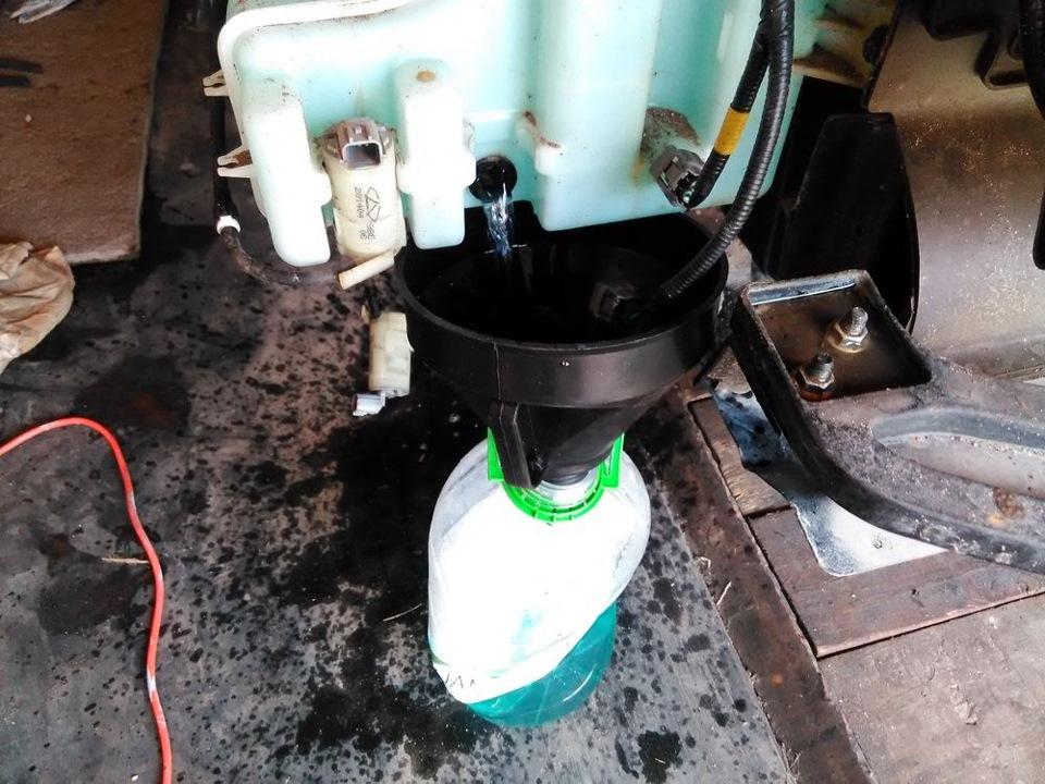 Как снять бачок омывателя на чери тиго видео фото 47-150