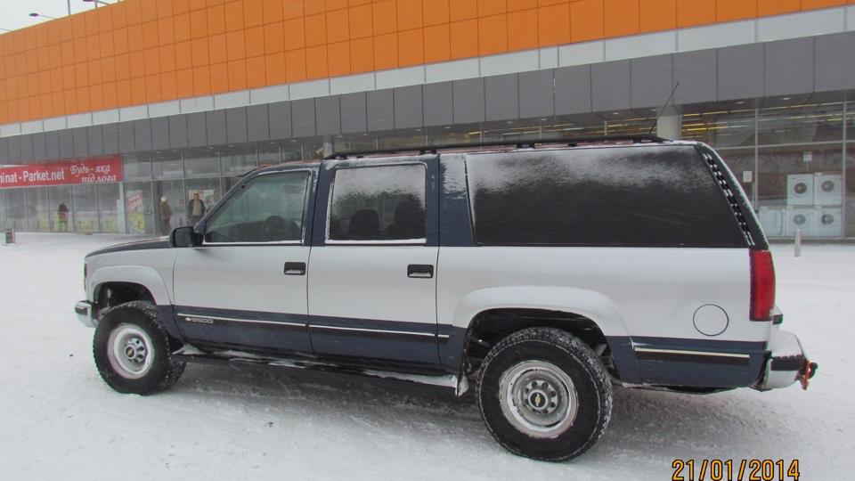 chevrolet suburban огромный автомобиль