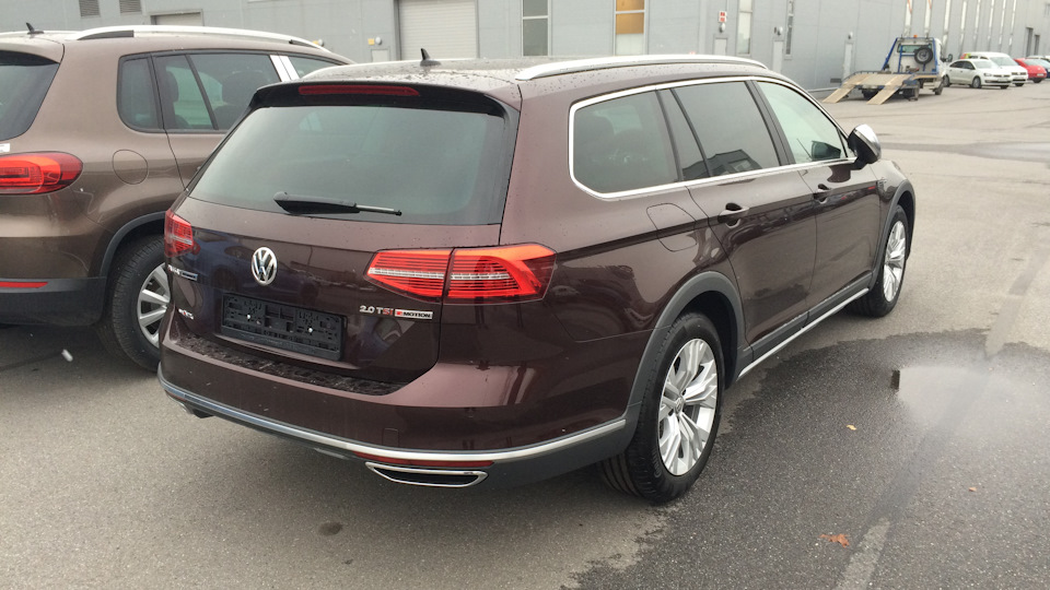 volkswagen passat alltrack crimson drive2. Black Bedroom Furniture Sets. Home Design Ideas
