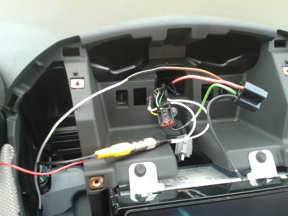 или готовность камеры видеонаблюдения заднего вида на авео т300 двери