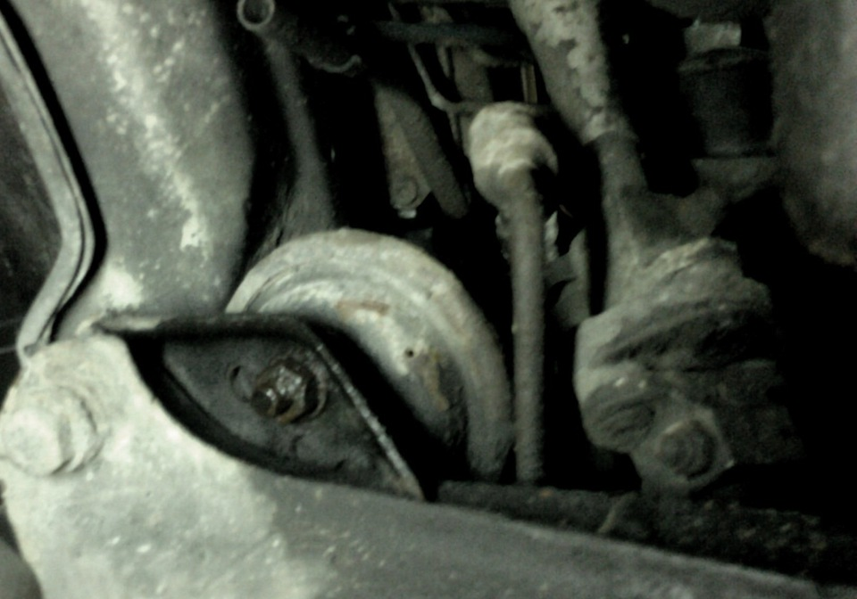подушка двигателя на bmw e 36 1.8