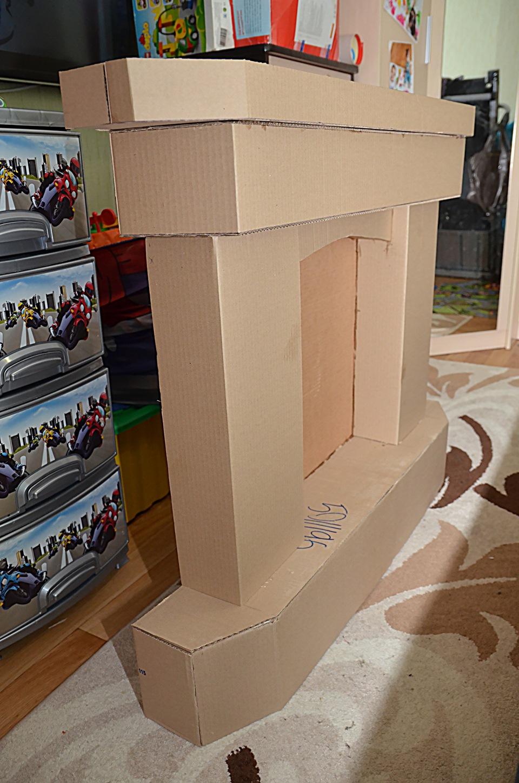 Как сделать камин с картонных коробок