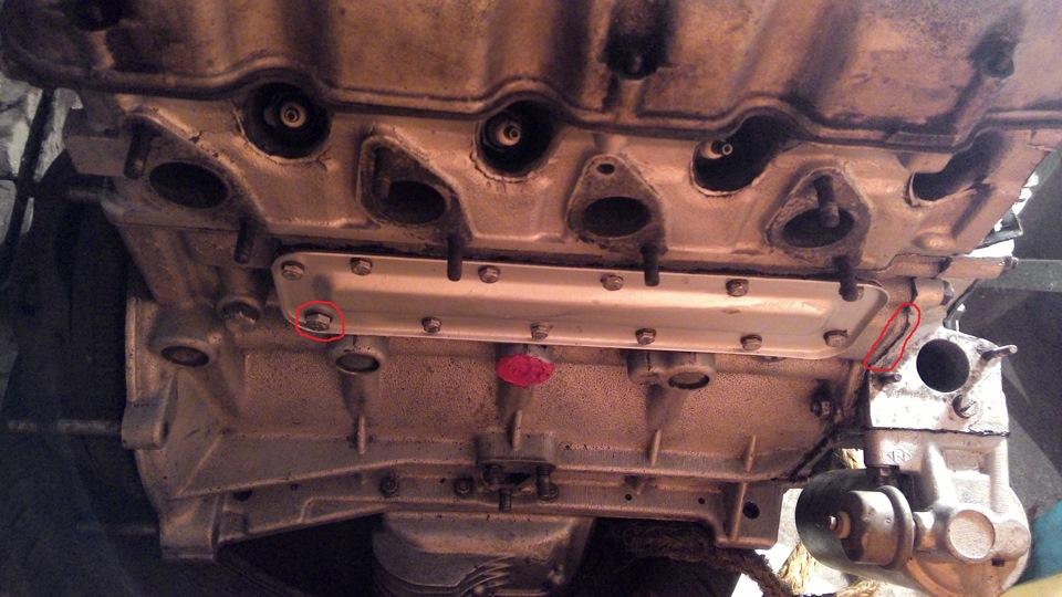 боковая крышка двигателя м 412