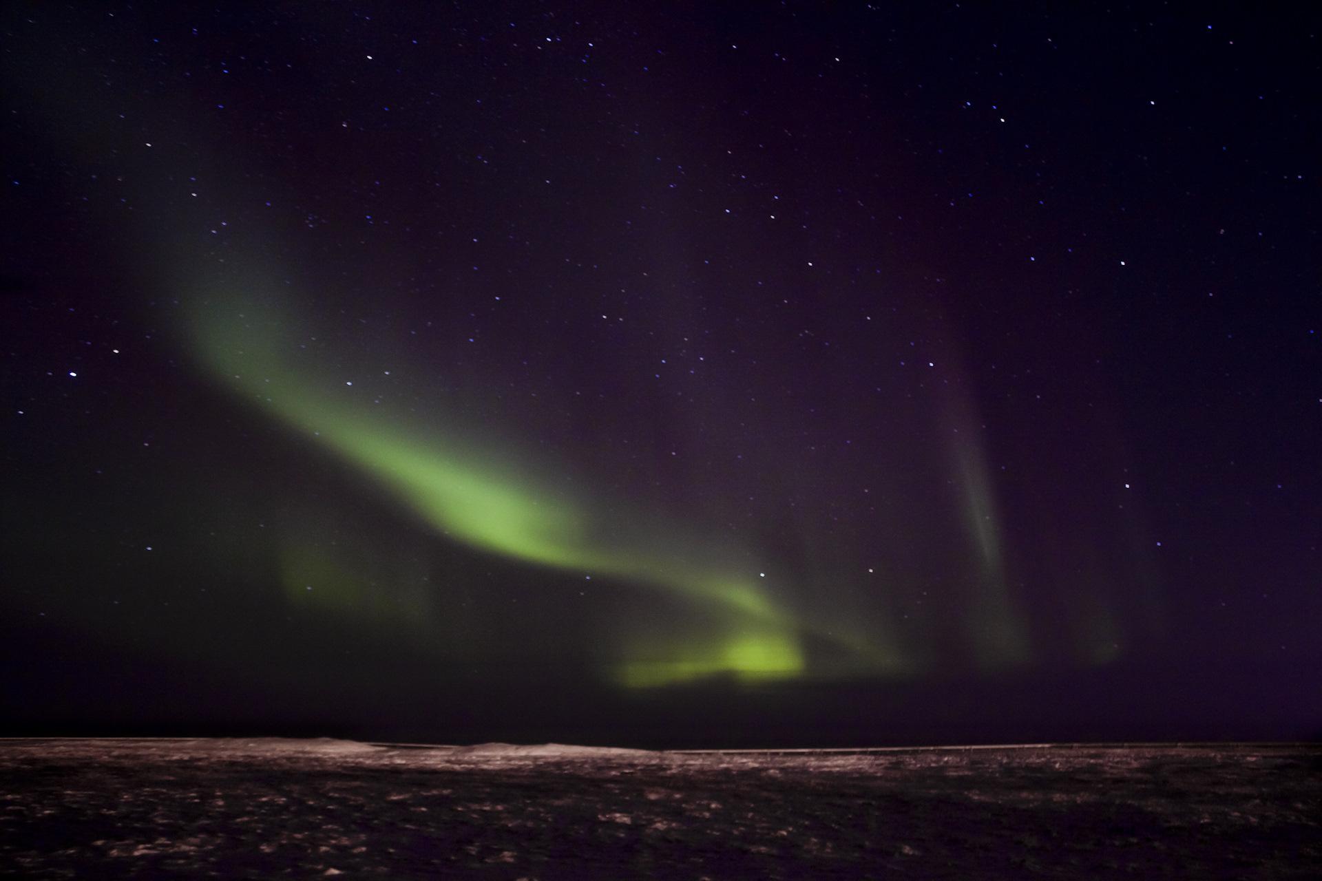 северное сияние на севере фото с телефона