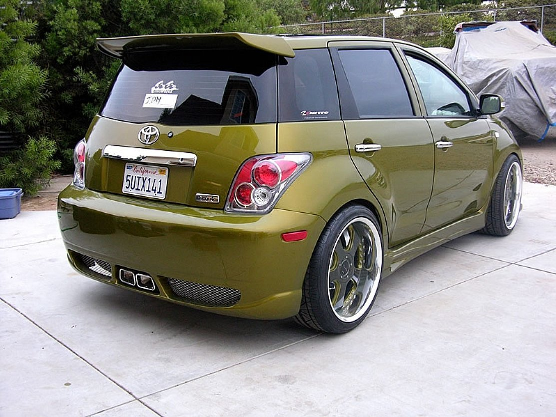 Toyota Ist Modified