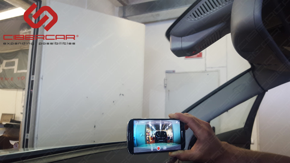 Приложение для андроид-устройств в действии! Можно просматривать записанное видео или управлять настройками.
