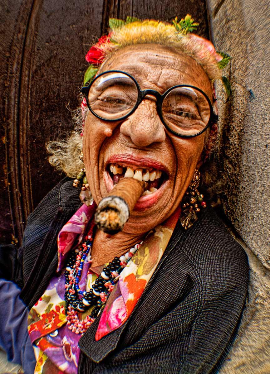 Прикольные картинки на курящих женщин, подарки или открытки