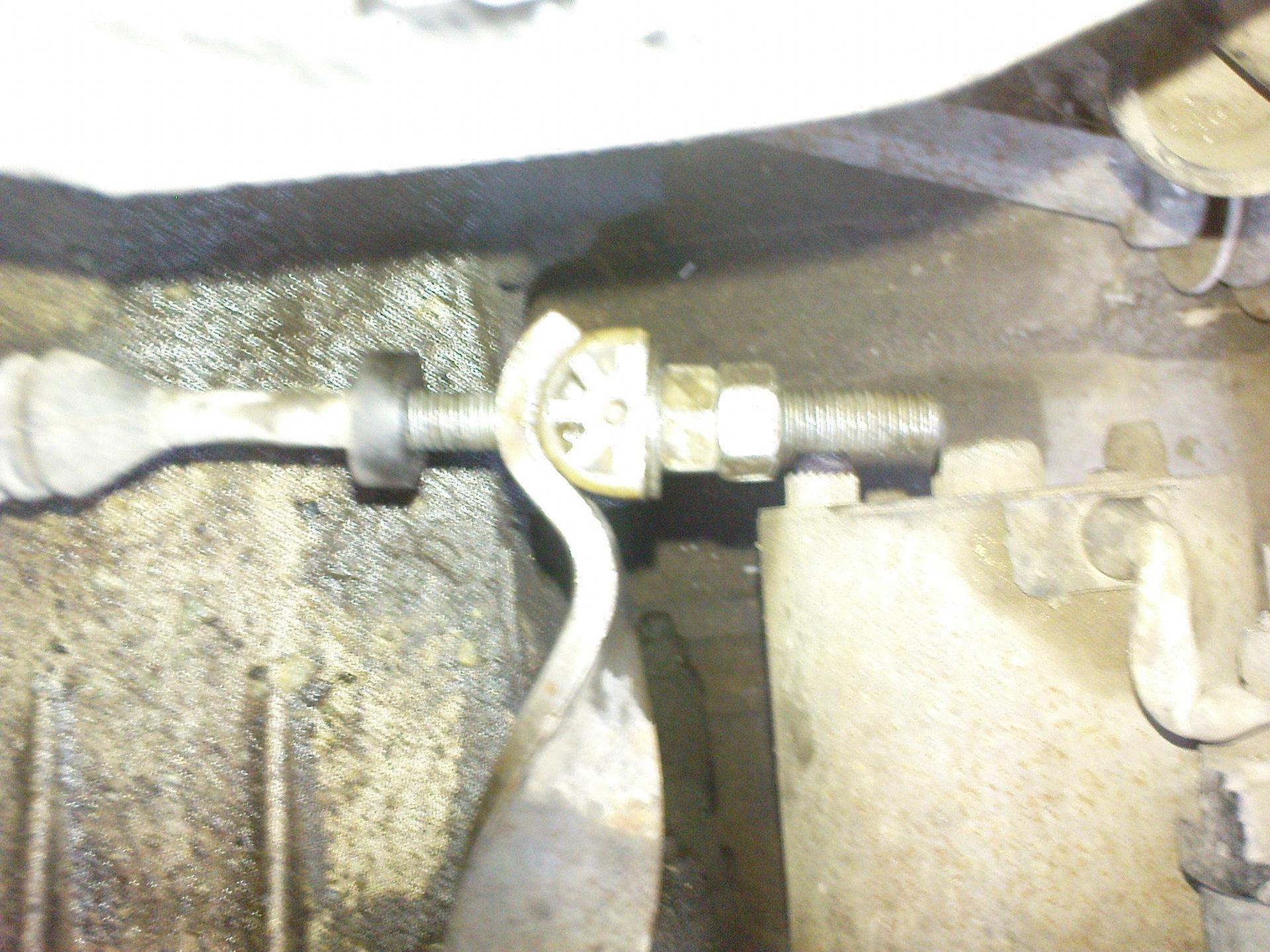 Фото №44 - провалилась педаль сцепления ВАЗ 2110