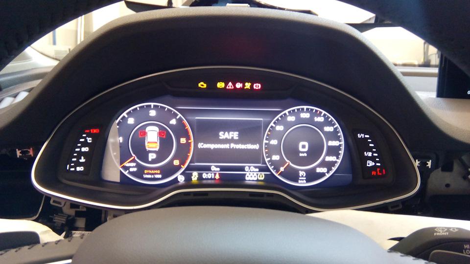 Audi Q7 4M — installation of a digital instrument panel Audi Virtual