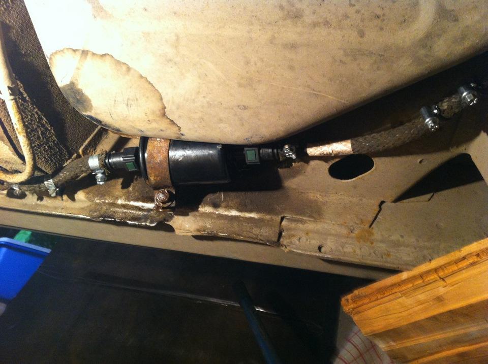 Фото №3 - топливный фильтр ВАЗ 2110 на защелках